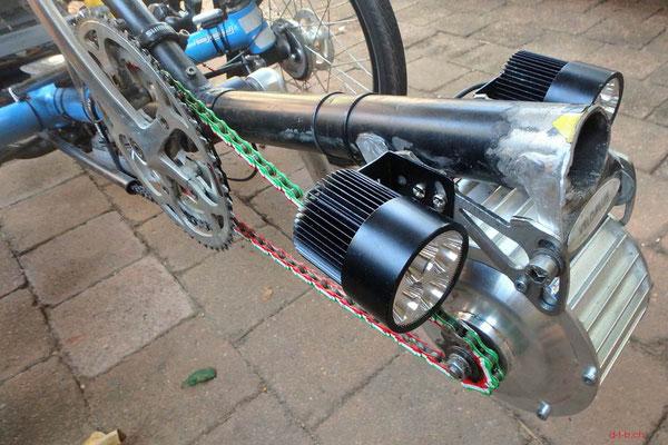 AU: Solatrike, Vordermotor und Lichter
