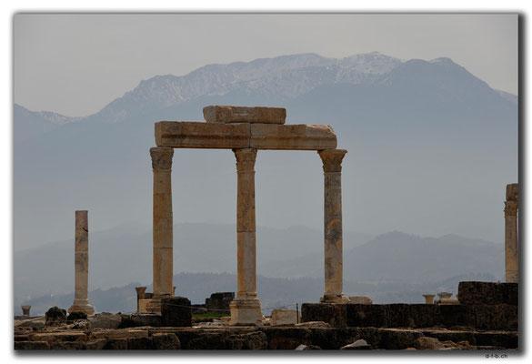 TR0177.Laodicea.Tempel