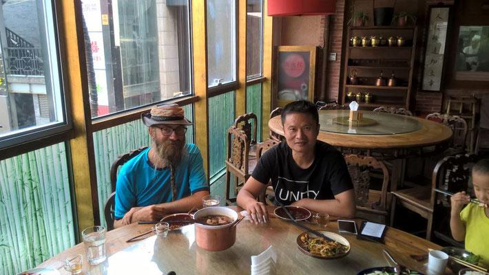 CN: David & Nathan in the Restaurant (Photo: Sebastian)