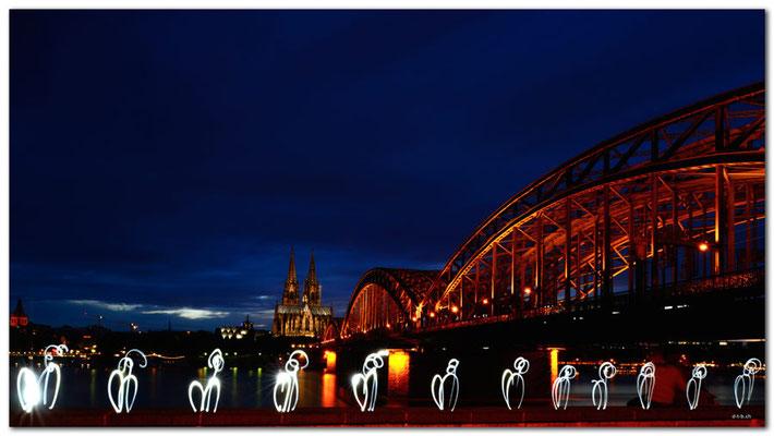 DE136.Kölner Dom und Brücke