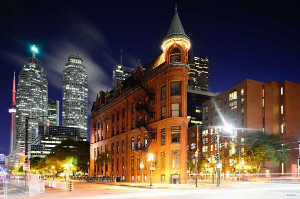 CA0295 Toronto Flatiron Bldg. Nacht