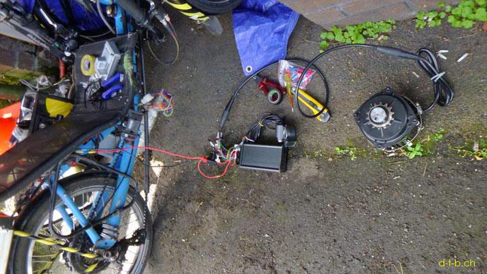 NZ: Solatrike, Testlauf mit dem neuen Vordermotor an der Batterie angeschlossen.