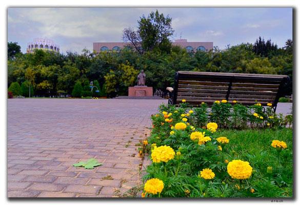 UZ0231.Tashkent.Statue