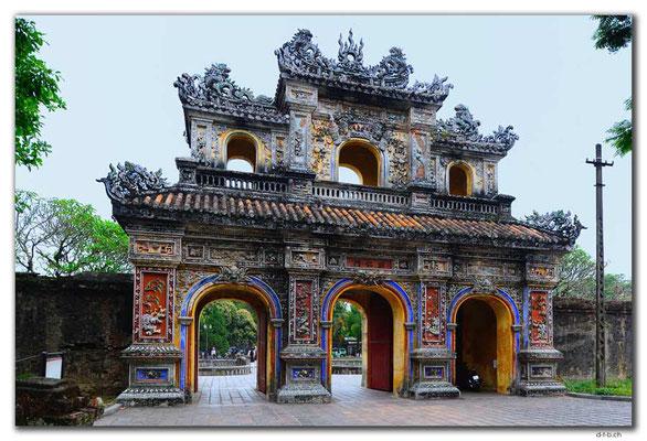 VN0177.Hue.Citadel.East Gate