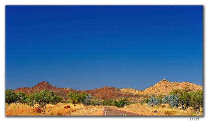 AU0188.2 verschiedenfarbige Hügel
