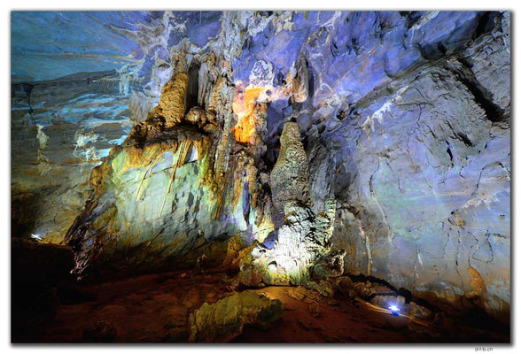 VN0112.Phong Nha Cave