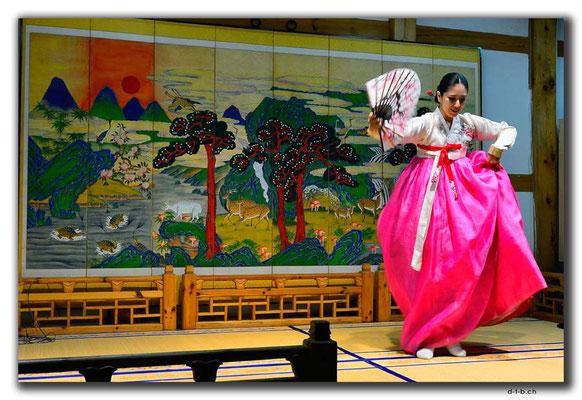 KR0067.Seoul.Folklore.Tanz