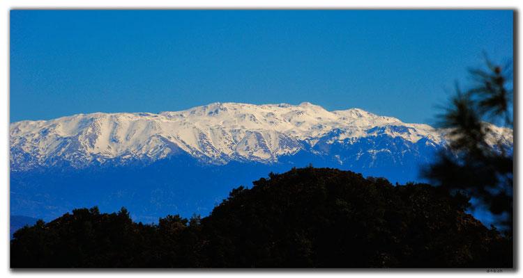 TR0185.Schneebedeckte Berge