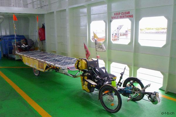 AU: Solatrike auf Fähre von Queenscliff nach Sorrento