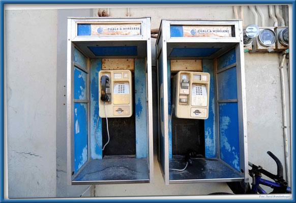 JM084.Telefonzellen.Black River