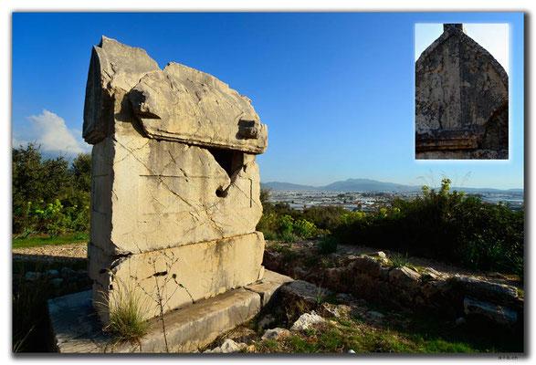 TR0216.Xanthos.Sarkophag