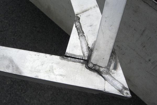 CZ: Solatrike mit defekter Deichsel