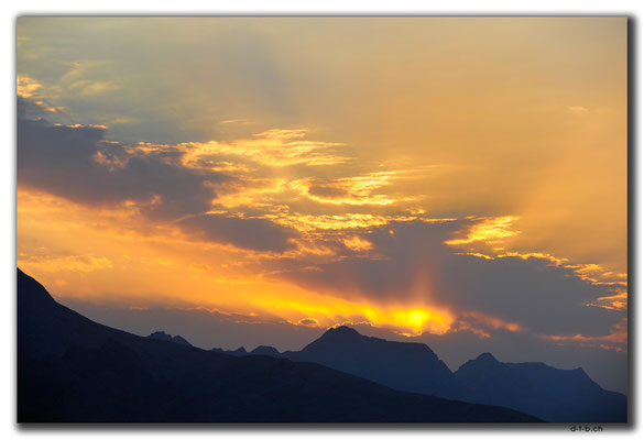 IR0155.Isfahan.Sunset