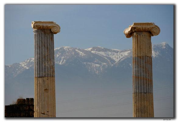 TR0176.Laodicea.Tempel