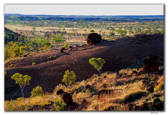 AU0219.Ngumban Cliff Lookout