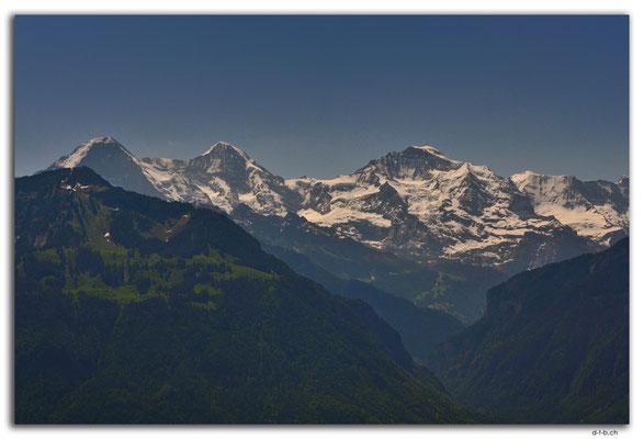 CH1047.Eiger, Mönch und Jungfrau vom Harder Kulm