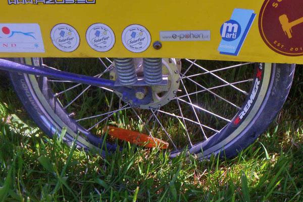NZ: Reifenpanne im Anhänger des Solatrike