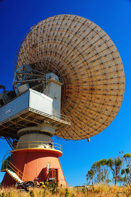 AU:Solatrike in Carnarvon at the Antenna which tracked the Apollo Moon landing