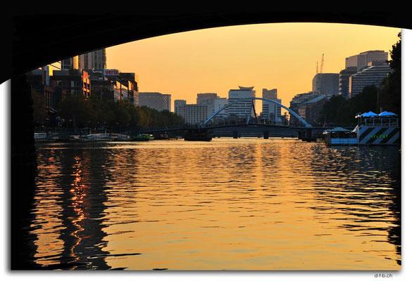 AU1225.Melbourne.Yarra River