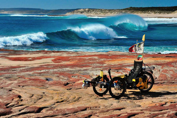 AU:Solatrike in Kalbarri am Red Bluff Beach