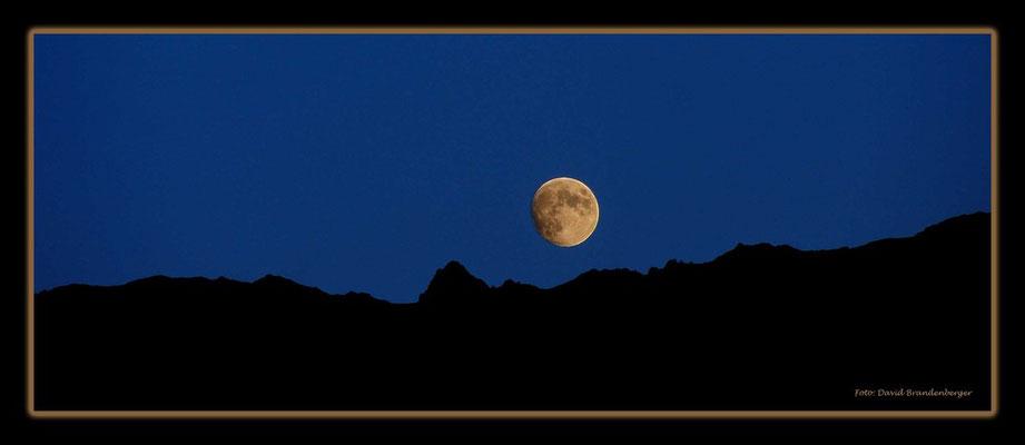 A0539.Mond vor Gitzihorn.Klosters.CH