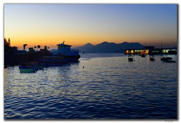 HK0103.Lamma Island.Abendrot