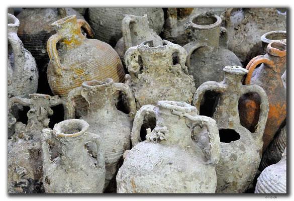 TR0618.Mersin.Amphoren im Museum
