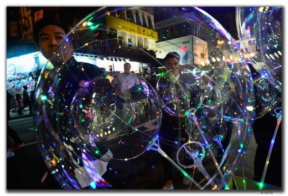 HK0057.Leuchtballone