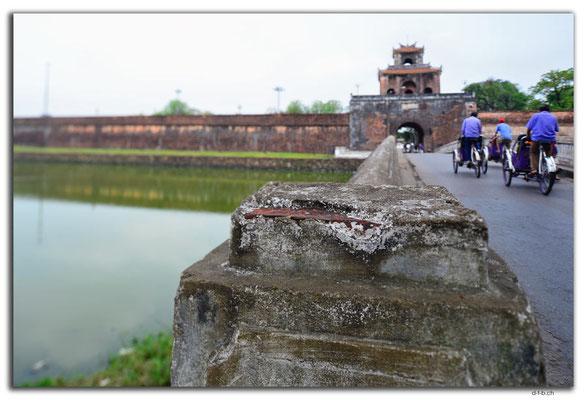VN0152.Hue.Ngan Gate