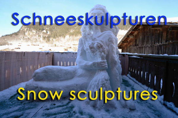 Schneeskulpturen / Snow sculptures