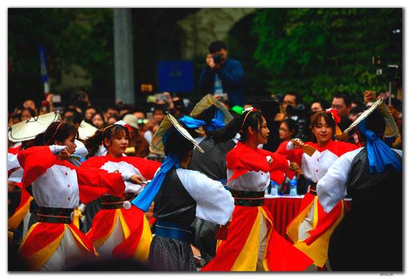 VN0088.Hanoi.Aufführung im Zentrum