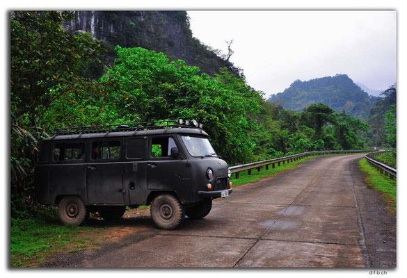 VN0117.Ural auf Ho Chi Minh Highway