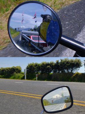 NZ: Mt.Taranaki im Rückspiegel des Solatrike