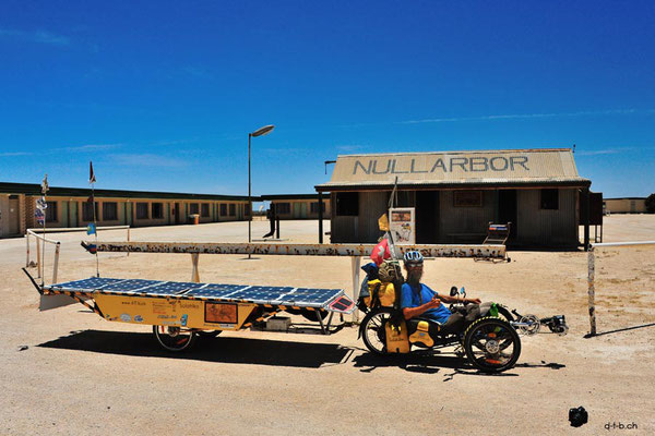 AU: Solatrike at Nullarbor Roadhouse