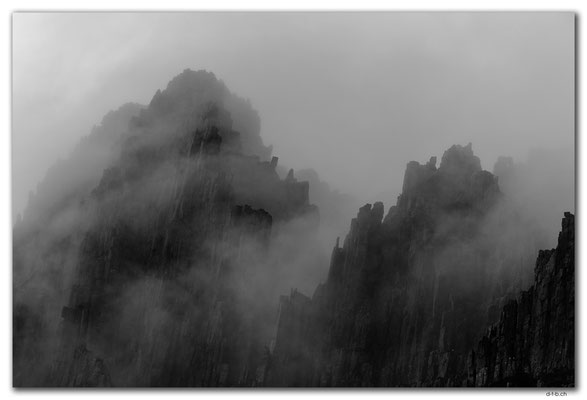 AU1346.Overland Track.Cradle Mountain in the mist