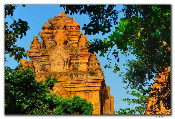 VN0267.Nha Trang.Thap Ba Pongar