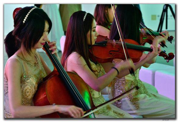 CN0419.Shenzhen.Klassische Musik in der Art Gallery
