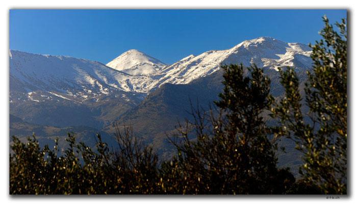 GR0479.Kreta.Schneebedeckte Berge