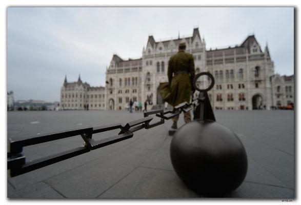 HU028.Budapest.Fahnenwache