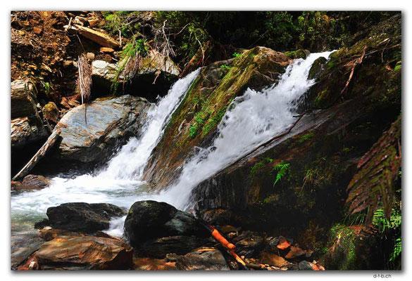 NZ0567.Anatoki Track.Waterfall