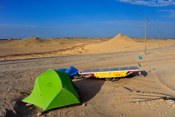 CN.Solatrike Zeltplatz in der Wüste Gobi