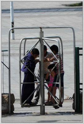 JO003.Spielende Kinder.Aqaba