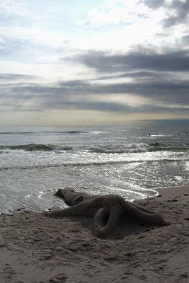 """Sandskulptur """"Nixe"""" die Flut kommt / Sandsculpture Mermaid"""