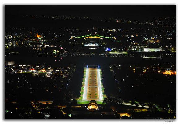 AU1519.Canberra.Mount Ainslie.Parliament+War Memorial.
