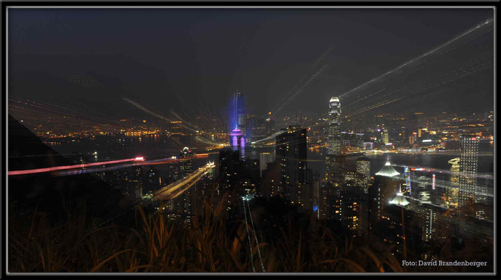 C2741 Hong Kong Victoria Peak by night