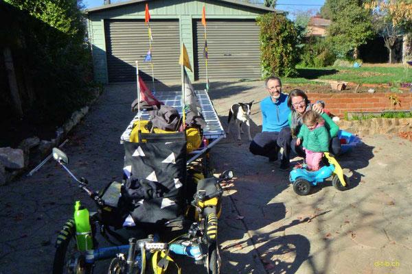 AU: Solatrike in Canberra bei Host Raymond & Emma