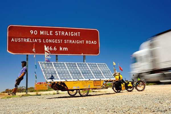 AU: Solatrike at 90 Mile Straight Road - Sign
