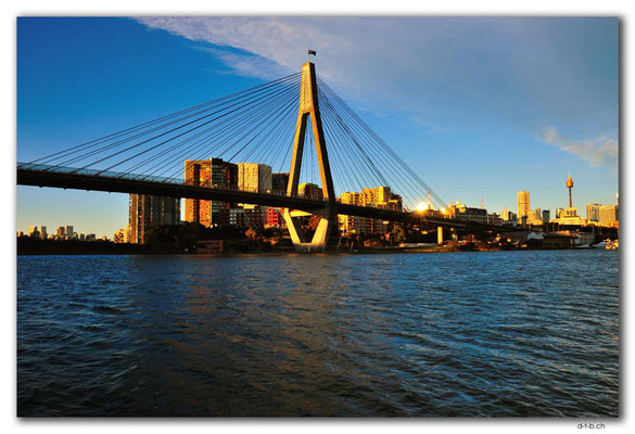 AU1706.Sydney.Blackwattle Bay.ANZAC Bridge
