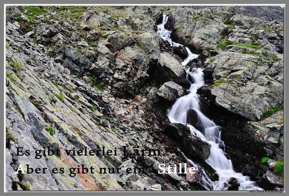 S0187.Wasserfall im Roggentäli.Klosters.CH