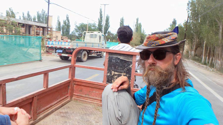 CN.Turfan.ein lokales Taxi - Dreiradtöff